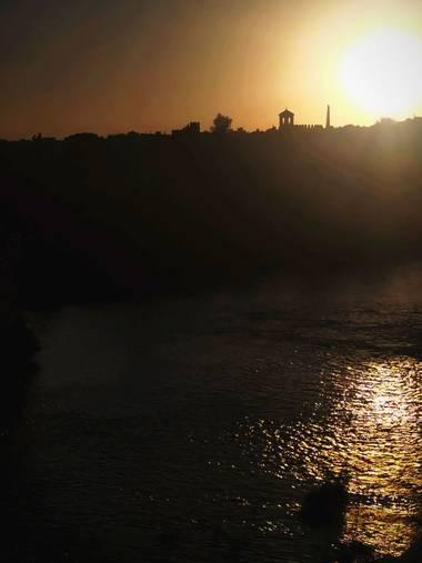 Susana-oda en Hamelin: Paisaje  (Córdoba), Imagen del río Guadalquivir, a su paso por Córdoba, desde el puente romano.