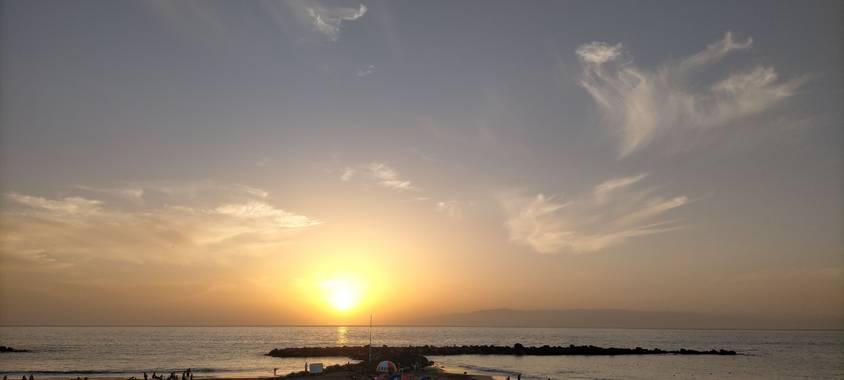 Inymarley en Hamelin: Paisaje, Atardecer en el sur de Tenerife 🌅🏴 #puestadesol  #atardecerenlaplaya  #paraisocanario  #otono20 #otoño20