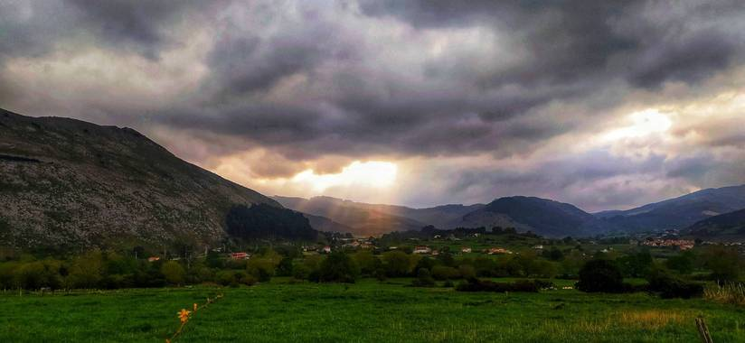 Sortueta en Hamelin: Paisaje  (Castro-Urdiales), Apocalíptica 🌄