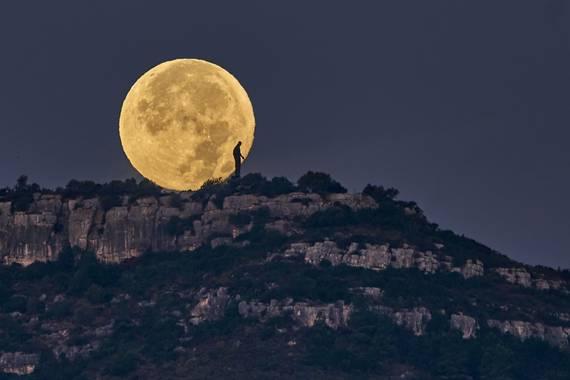 E.Domènech en Hamelin: Moon - Proyecto  (Amposta)