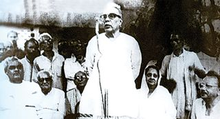 The then RSS Sarsanghachalak Shri Balasaheb Deoras Shri Atal Behari Vajpayee Rajmata Vijaya Raje Scindia and others at the foundation stone laying ceremony of buildings for Deendayal Dham Sewa projects in Nagla Chandrahan, Mathura, on July 13, 1982
