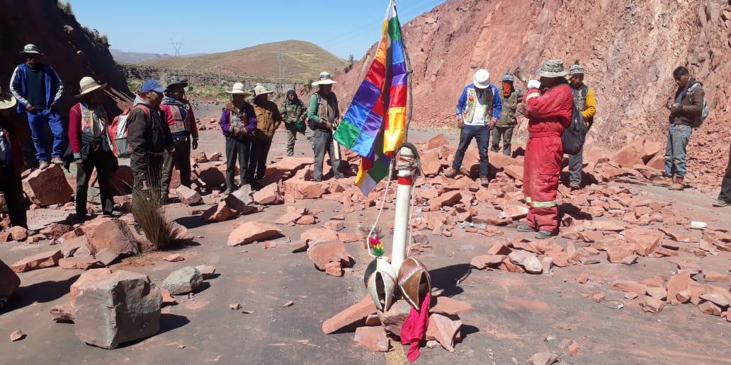 Imagen de la nota 'El pueblo de bolivia sigue avanzando contra el (des)gobierno de facto'