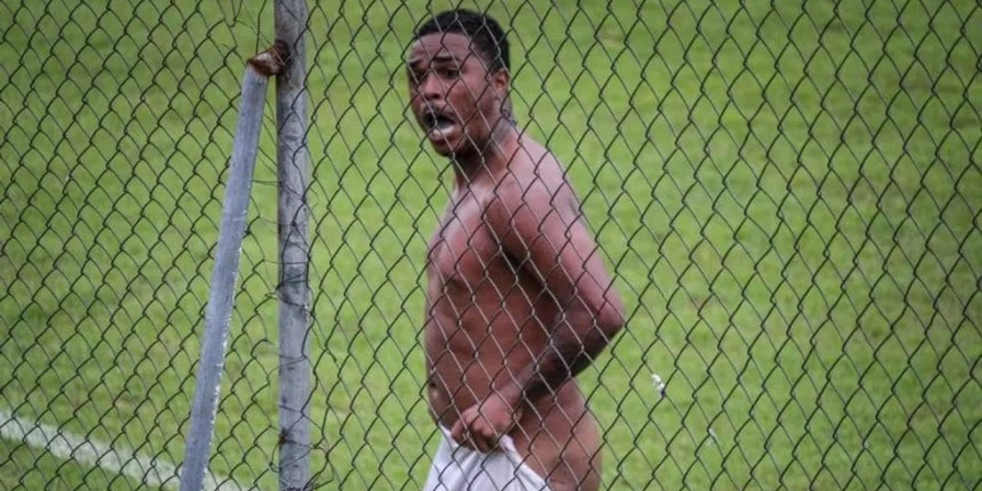 Picture principal - Brasil: Un jugador recibió ocho fechas de suspensión por festejar un gol desnudo