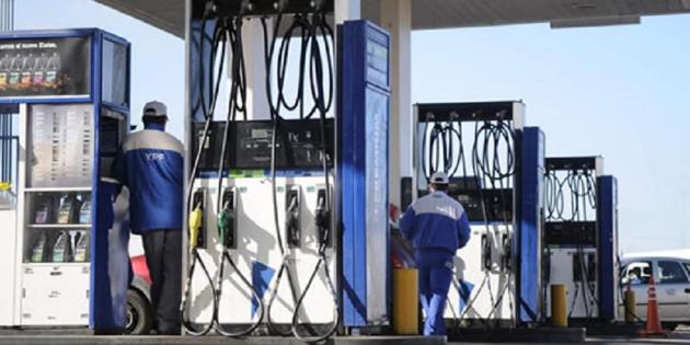 Imagen de la nota 'Los aumentos de combustible y el rol de YPF'