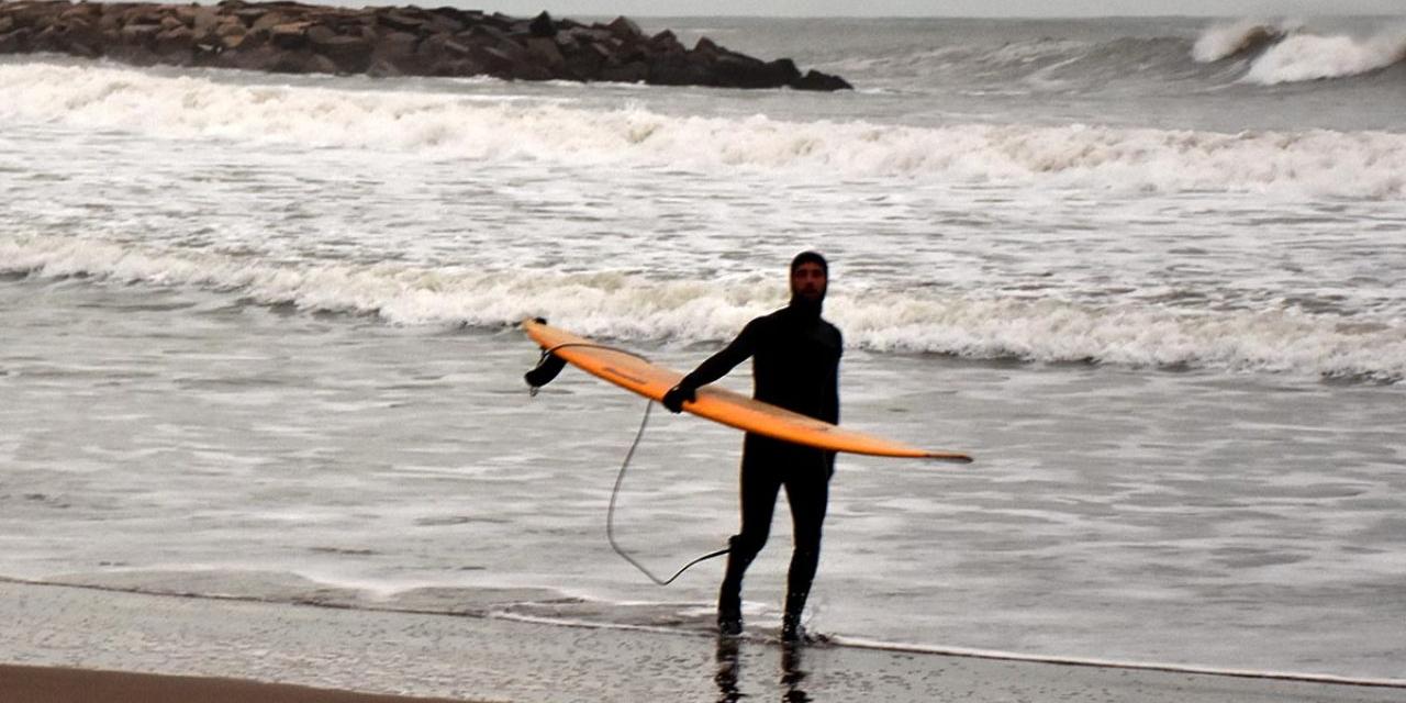 Imagen de la nota 'Mar del Plata: Volvió el Surf después de 105 días'