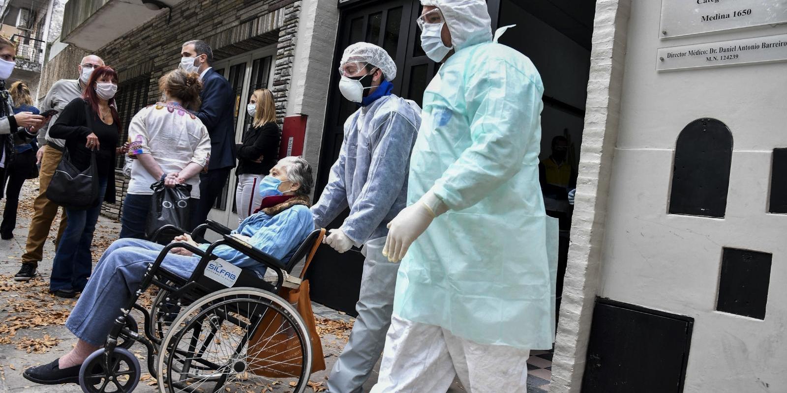 """Imagen de la nota '""""Un tercio de los fallecidos en el AMBA fue en internación geriátrica""""'"""