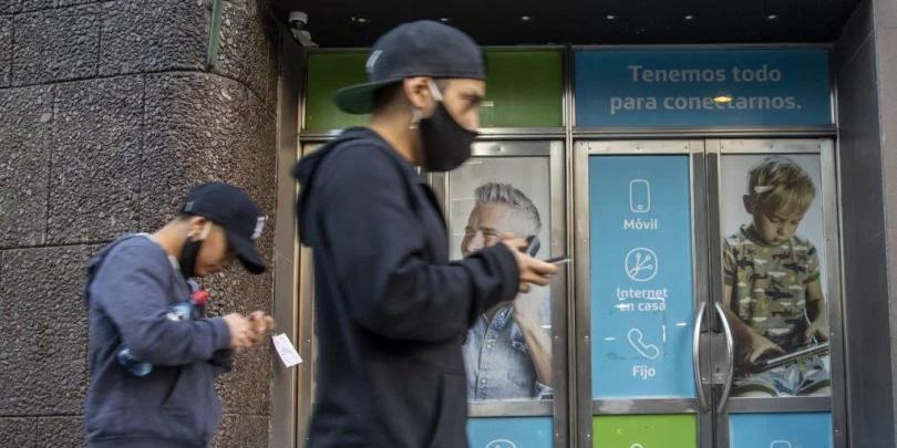 Imagen de la nota 'El 80% de los argentinos no puede soportar más aumentos en las tarifas de celulares'