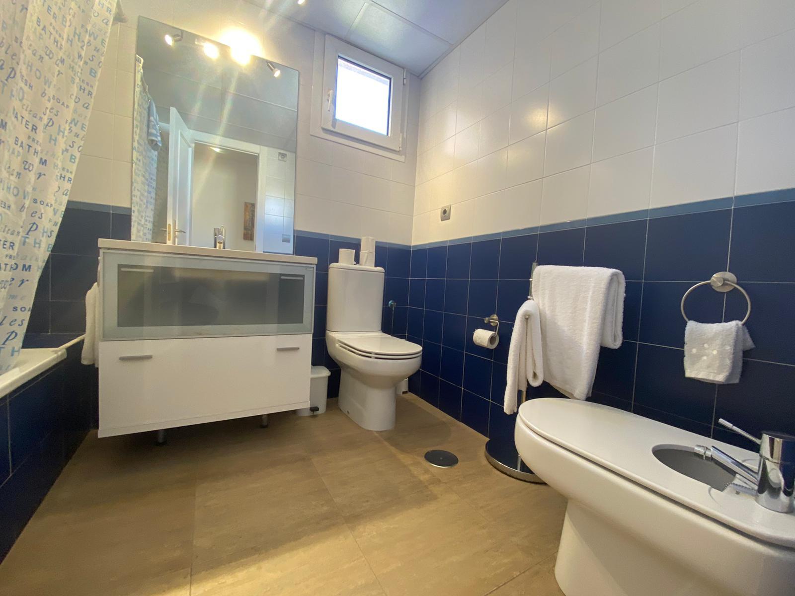 Imagen 20 del Apartamento Turístico, Ático 1 Central (3d+2b), Punta del Moral (HUELVA), Paseo de la Cruz nº22