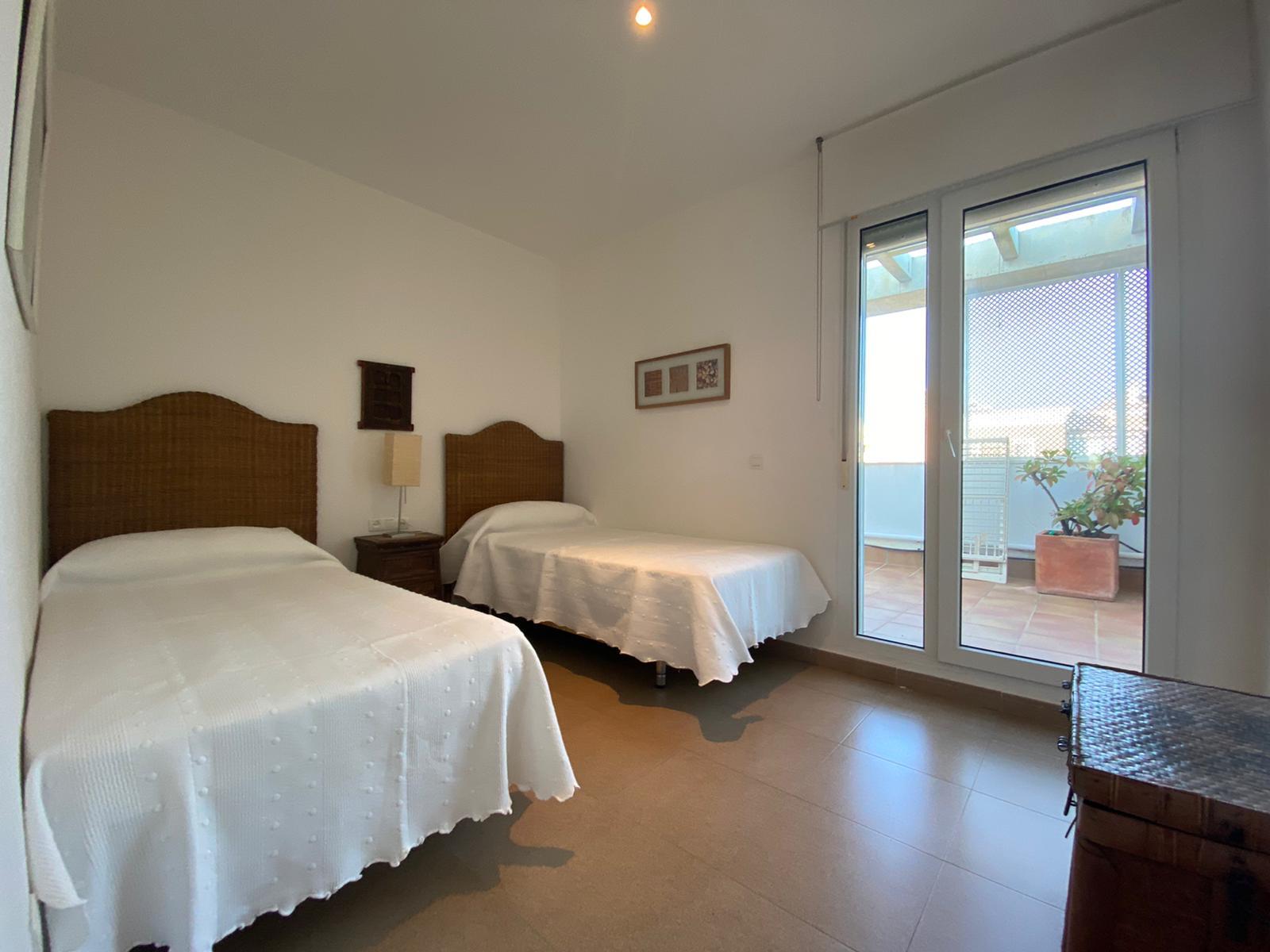 Imagen 25 del Apartamento Turístico, Ático 4 Levante, Frontal (4d+2b), Punta del Moral (HUELVA), Paseo de la Cruz nº22