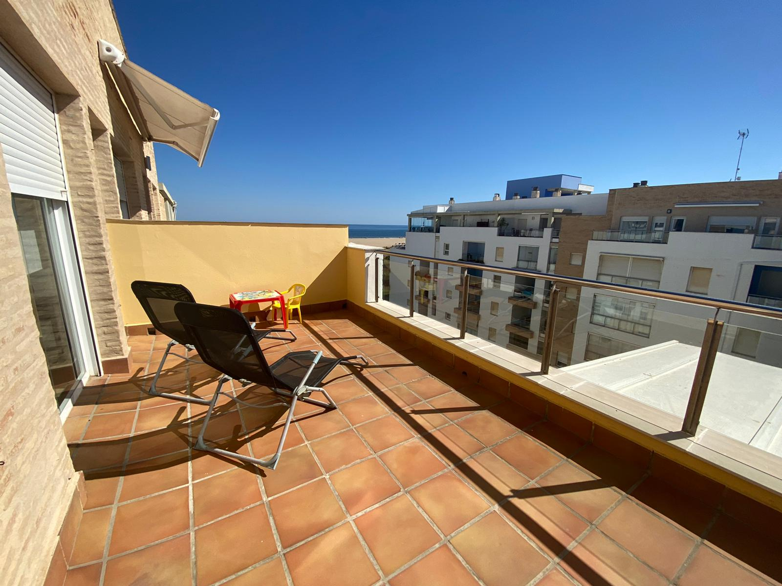 Imagen 3 del Apartamento Turístico, Ático 8 Central (3d+2b), Punta del Moral (HUELVA), Paseo de la Cruz nº22