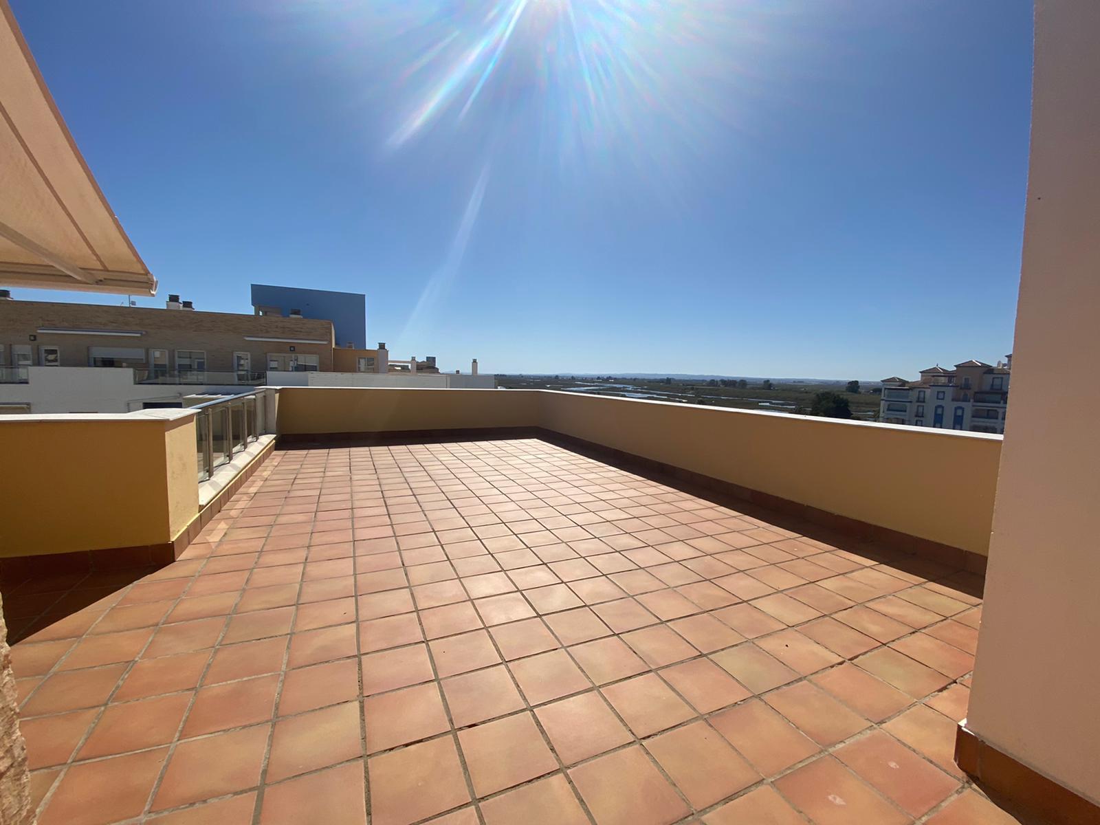 Imagen 7 del Apartamento Turístico, Ático 8 Central (3d+2b), Punta del Moral (HUELVA), Paseo de la Cruz nº22