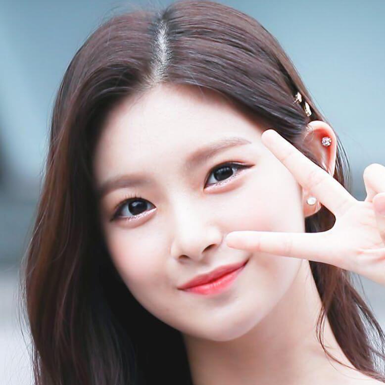 Yiren: Profile, Age, Weight, Height, Facts | Hallyu Idol