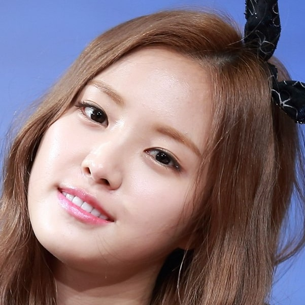Naeun: Profile, Age, Weight, Height, Facts | Hallyu Idol