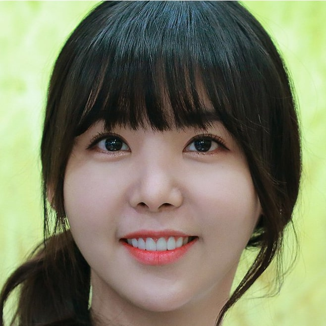 Raina: Profile, Age, Weight, Height, Facts | Hallyu Idol