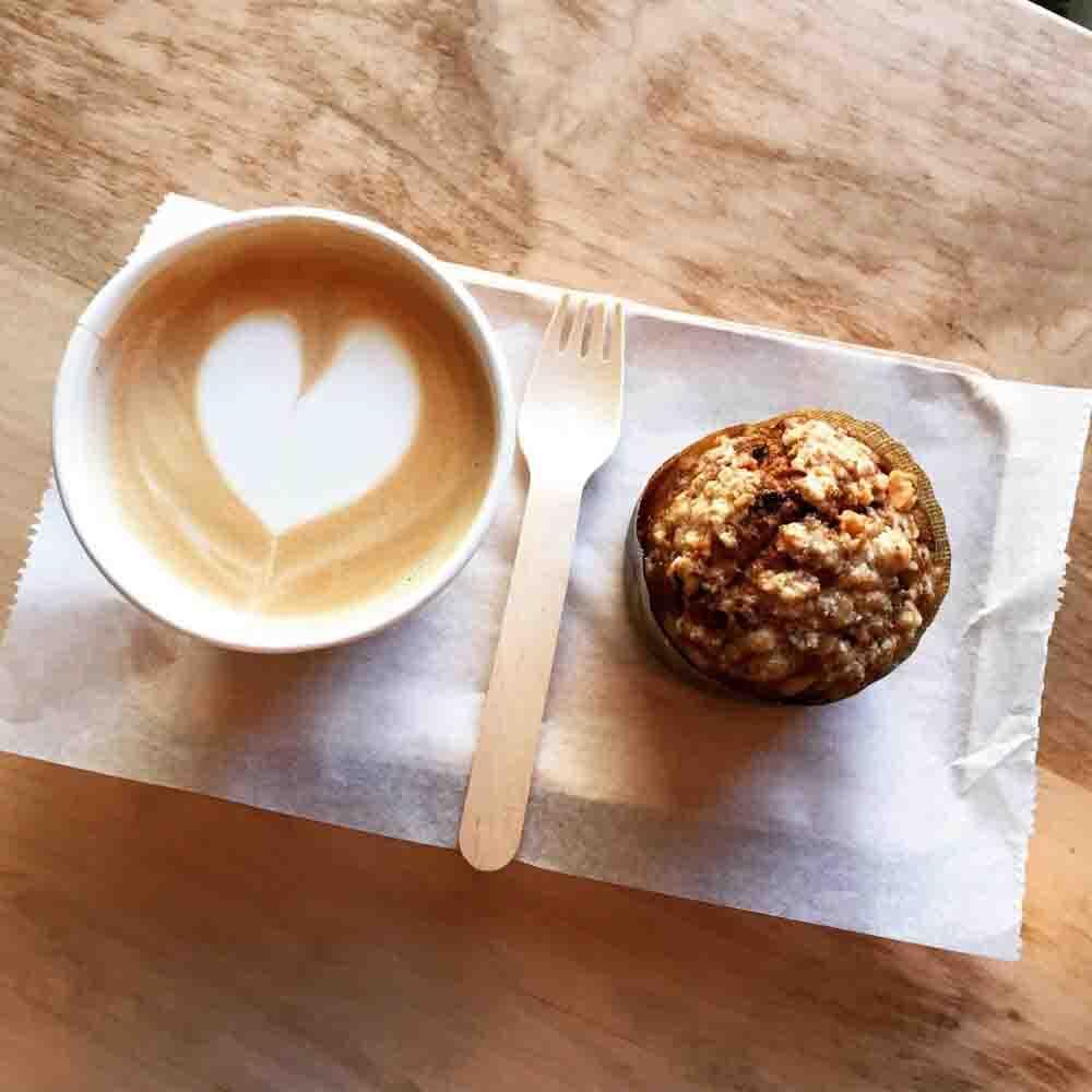 LaB Coffee & Roasters 바닐라라떼 바나나넛머핀
