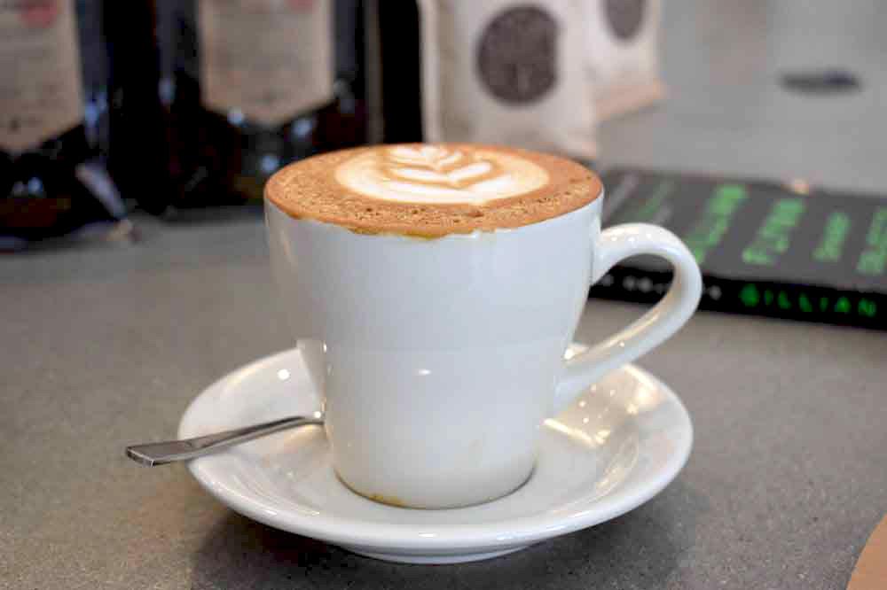 Sharp Specialty Coffee 카푸치노