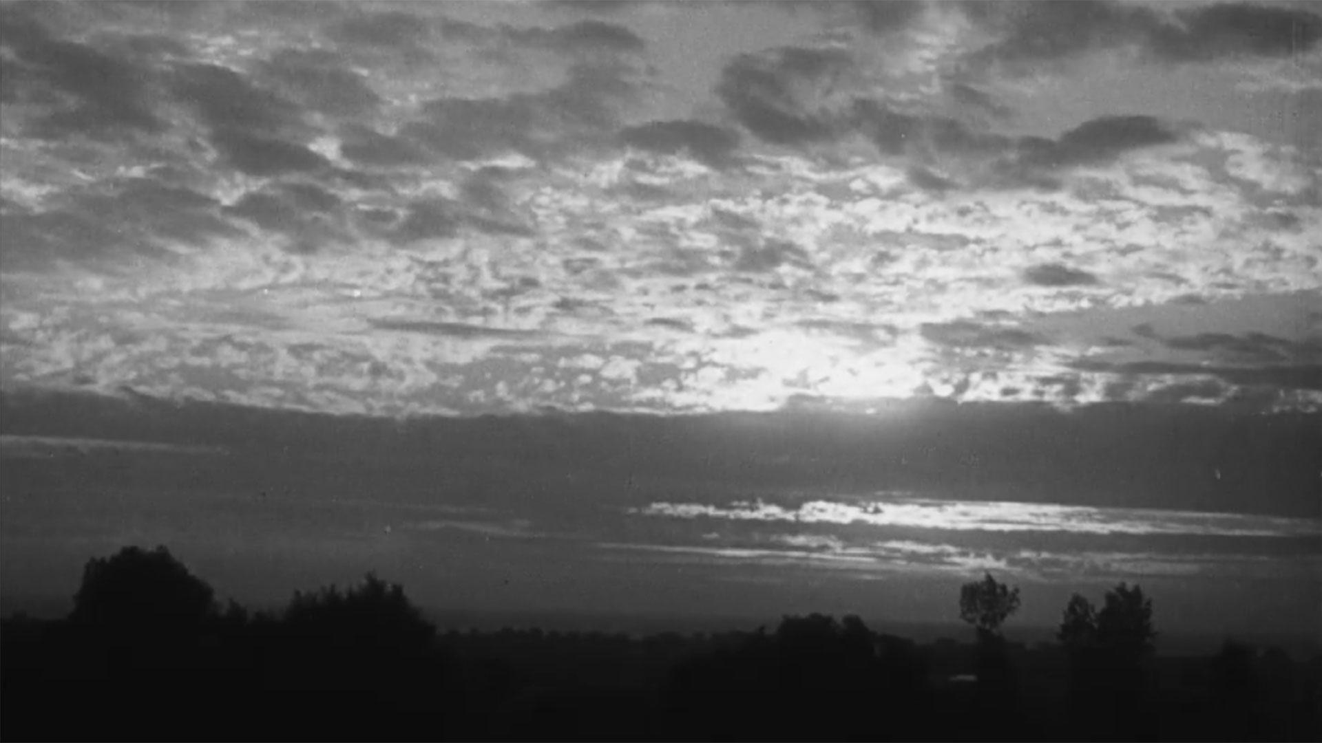 Déformations du soleil dues à la réfraction au moment de son coucher (1935)