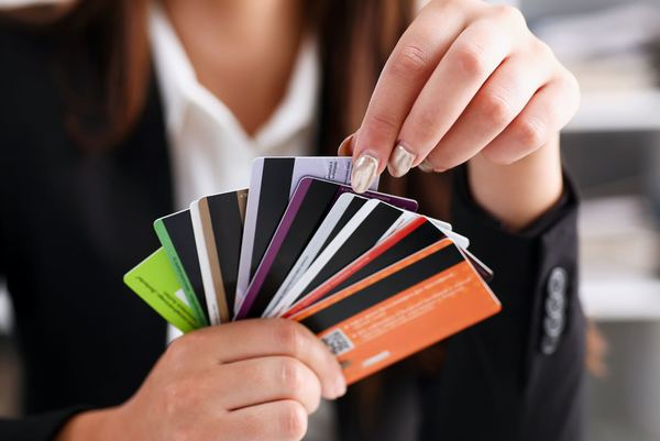 Which Is Better: Credit Cards or Debit Cards?