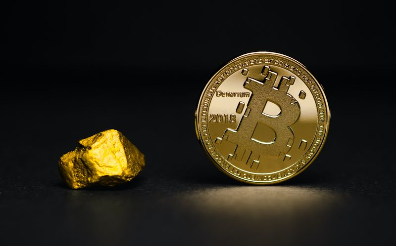 bitcoin next to gold