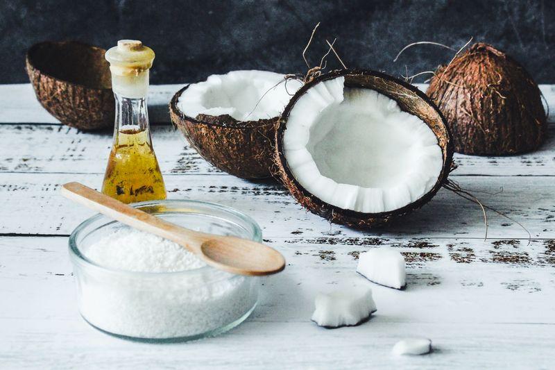 A bowl of coconut oil (Photo by Tijana Drndarski on Unsplash)