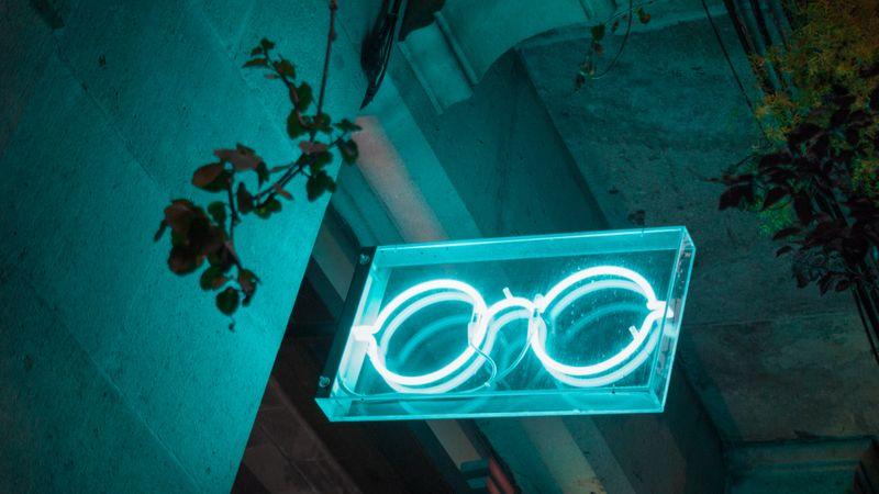 Eye glasses shop neon sign