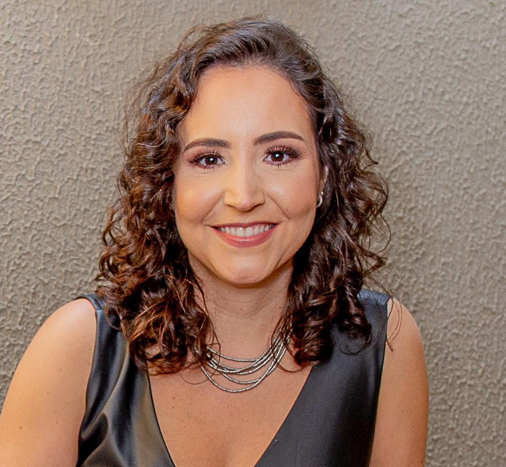 Nara Cristina Leão