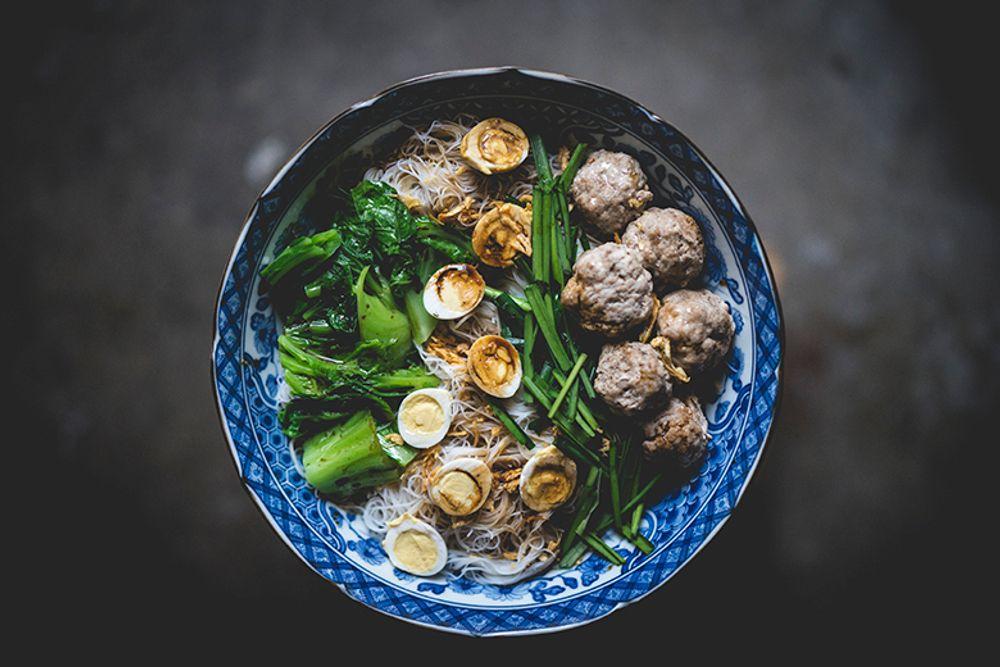 Kyay-Oh (Burmese Noodle Soup w/ Pork Meat Balls)