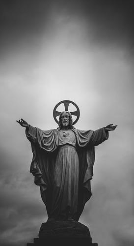 قصته - المسيح صُلب وقام