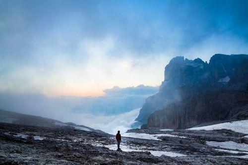 لماذا الله يعمل المعجزات في أحياناً معينة؟