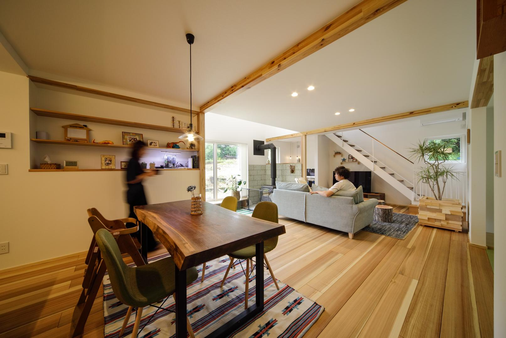 薪ストーブのあるガレージハウスの写真4