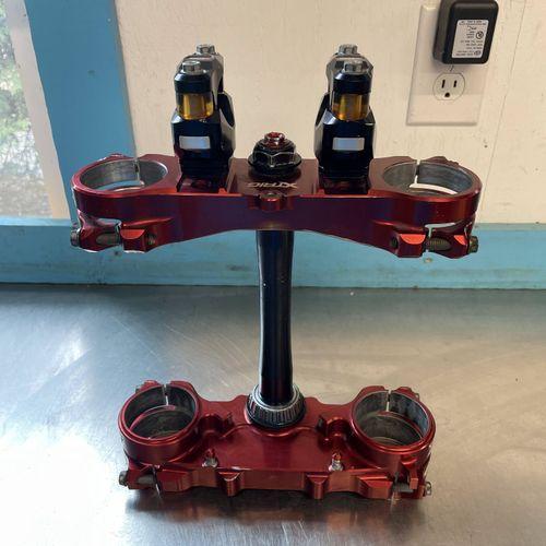 XTRIG Triple Clamps w/ Bar Mounts Red/Bronze - Yamaha YZ250F/YZ450F