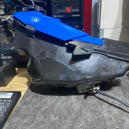 2020 RMZ250 Fuel tank with Pump