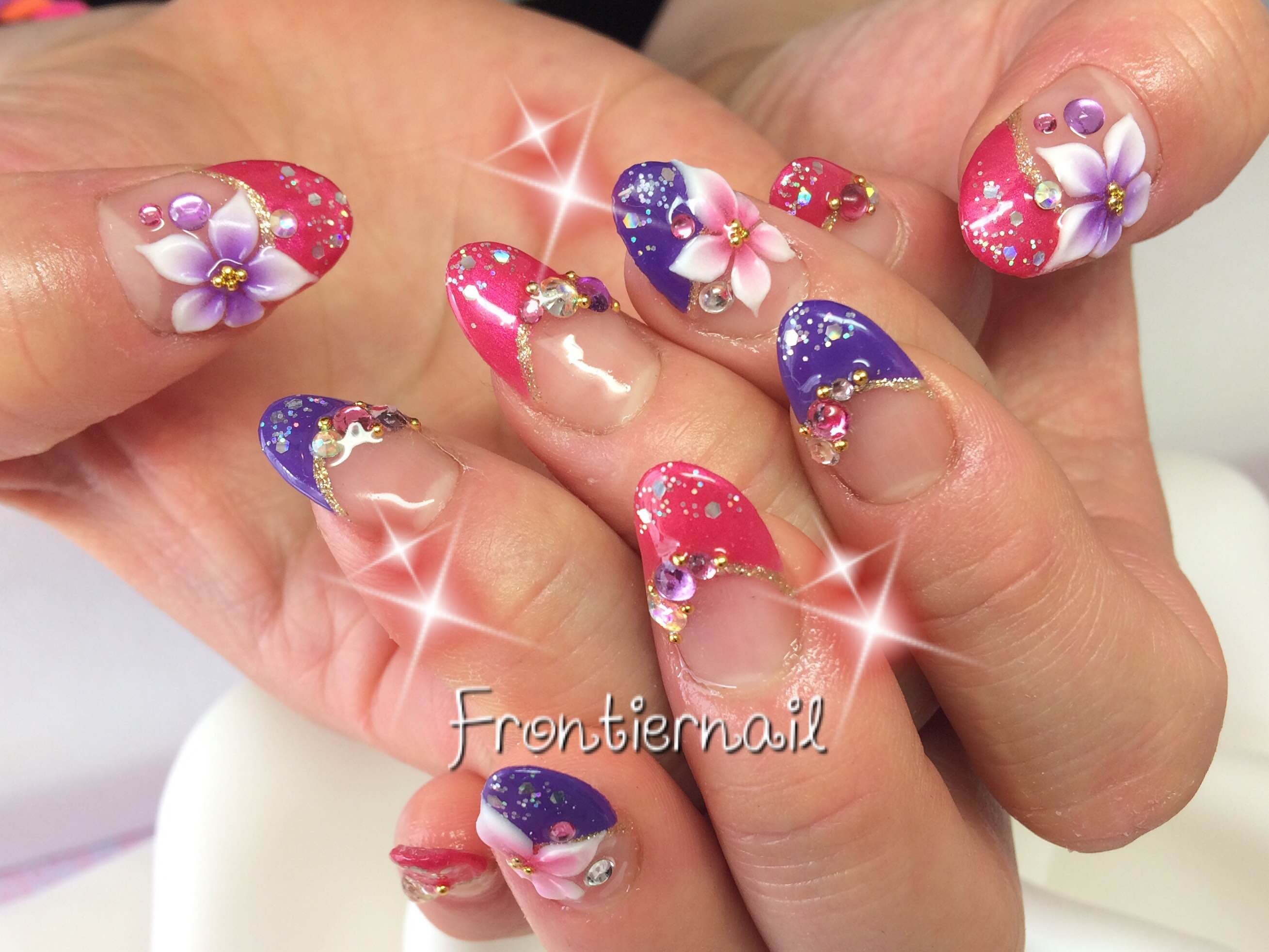 Frontiernailのネイル
