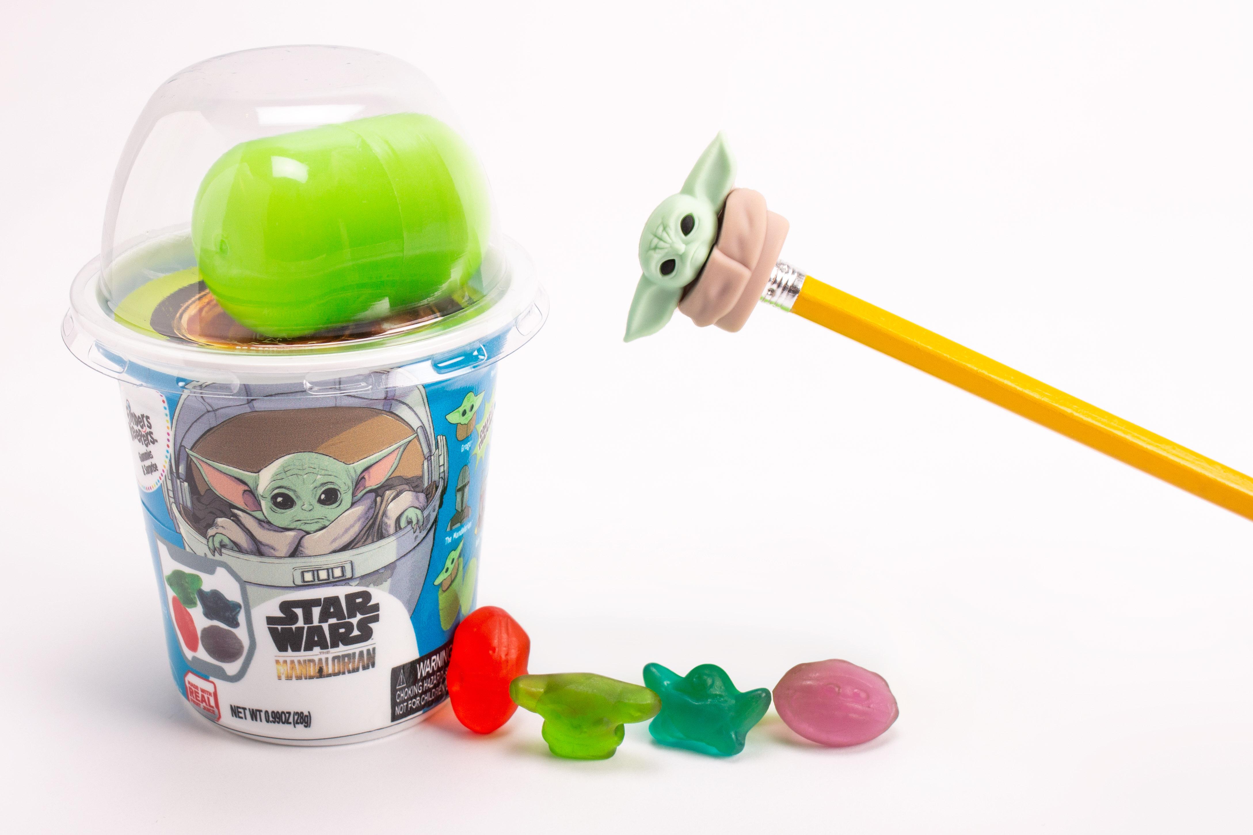 Mandalorian Gummies & Suprise