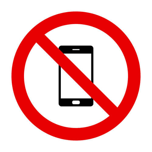 don't use cell phone in bathrrom