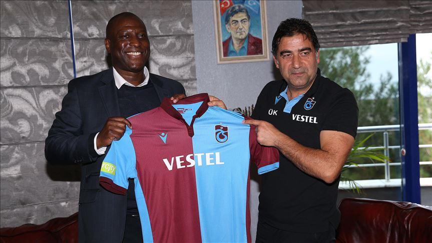 Kevin Campbell ve Trabzonspor'un eski teknik direktörü Ünal Karaman