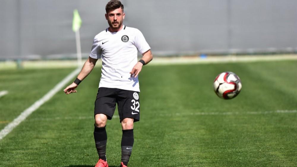 Trabzonspor Manisaspor'un Sağ Beki İçin Başkanla İletişeme Geçti