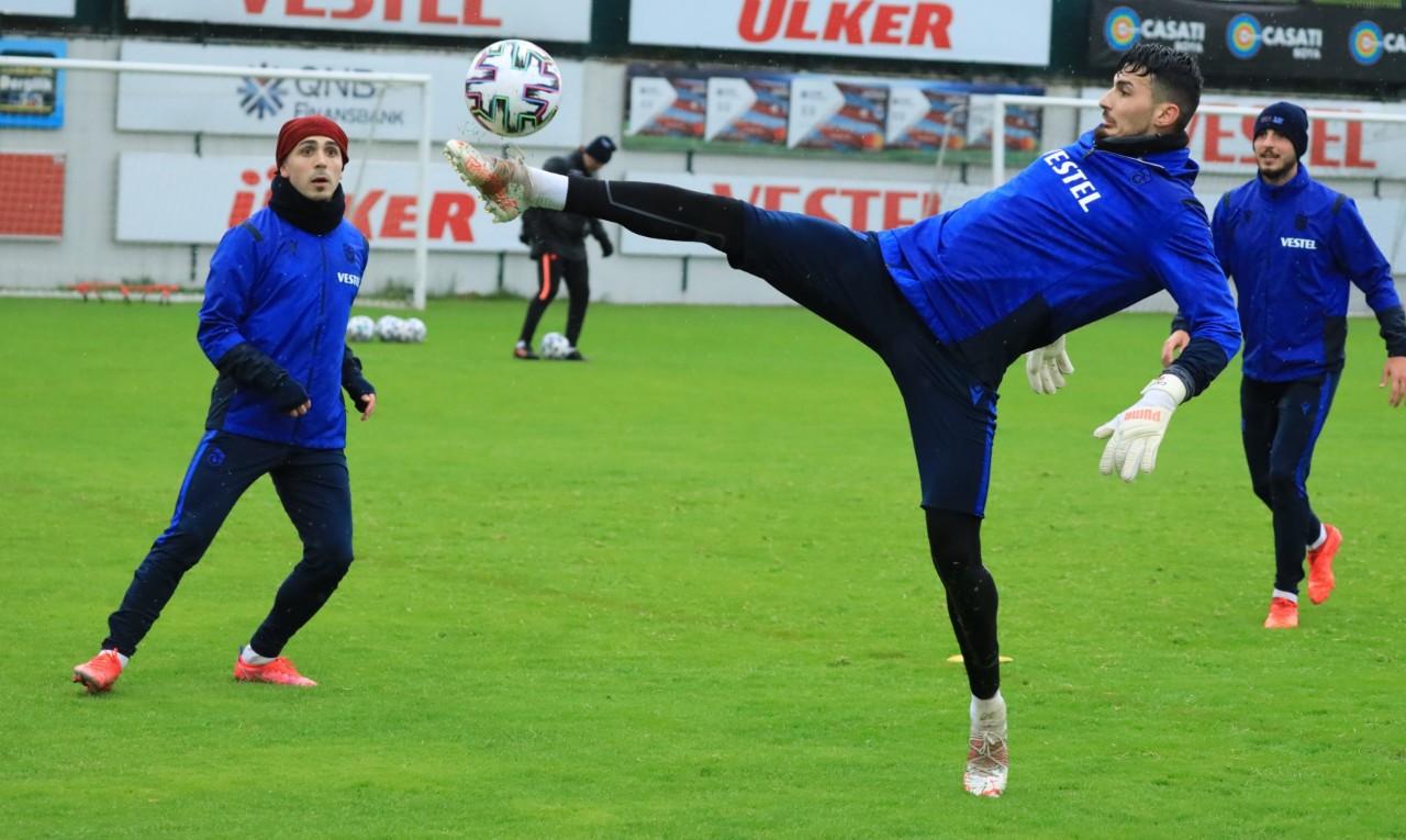 Trabzonspor Göztepe Deplasmanına Şu Muhtemel 11'le Çıkması Bekleniyor