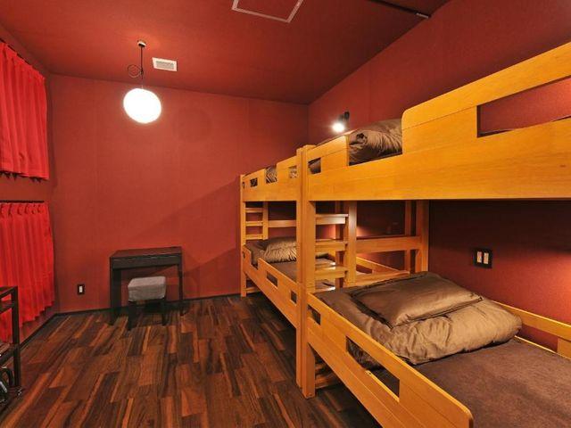 カオサンワールドなんば<4人部屋 二段ベッド付 共用バスルーム>