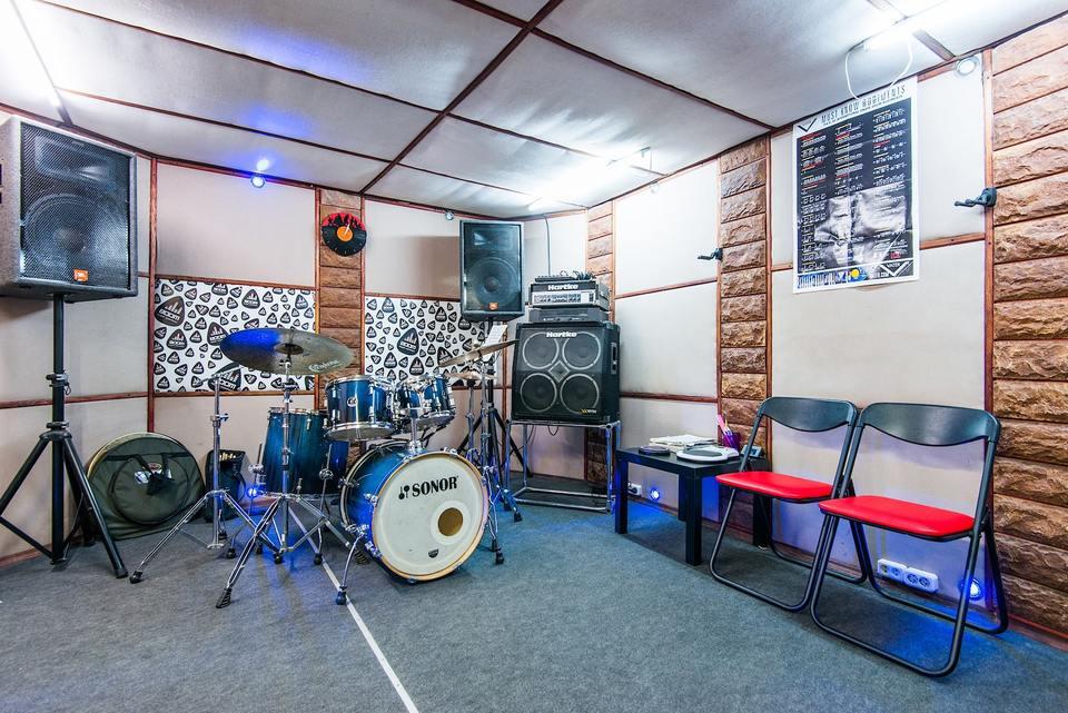 Создание музыкальной группы: на сцене в компании единомышленников