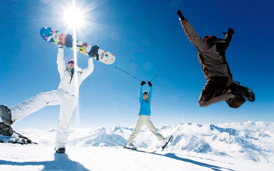 Катания на сноуборде в спортивном комплексе «Логойск»