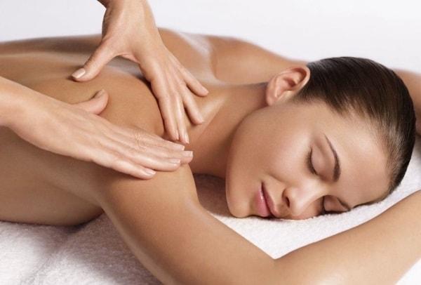 Классический массаж в центре красоты Slim