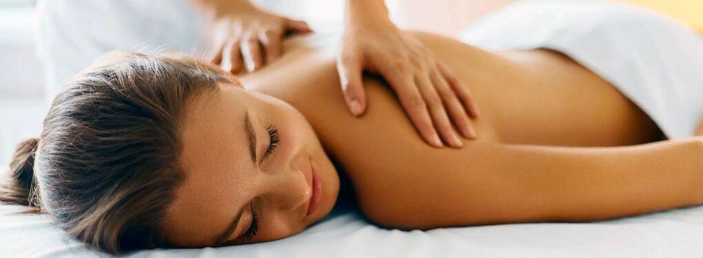 Relax-массаж в центре красоты Slim