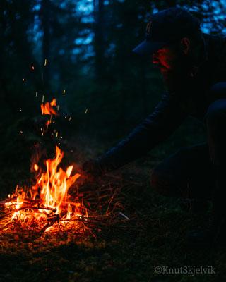 Koselig med fyr på bålet