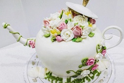 The BEST Cake Decorating Spots in L.A.