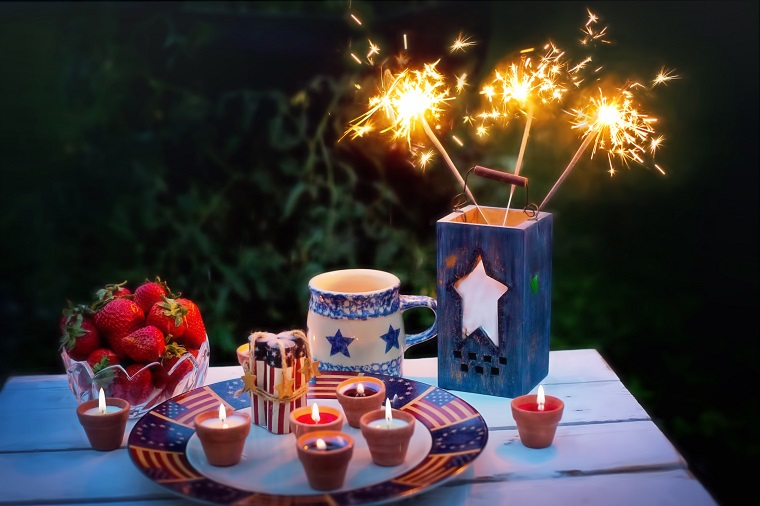 4th of July table decorations and food