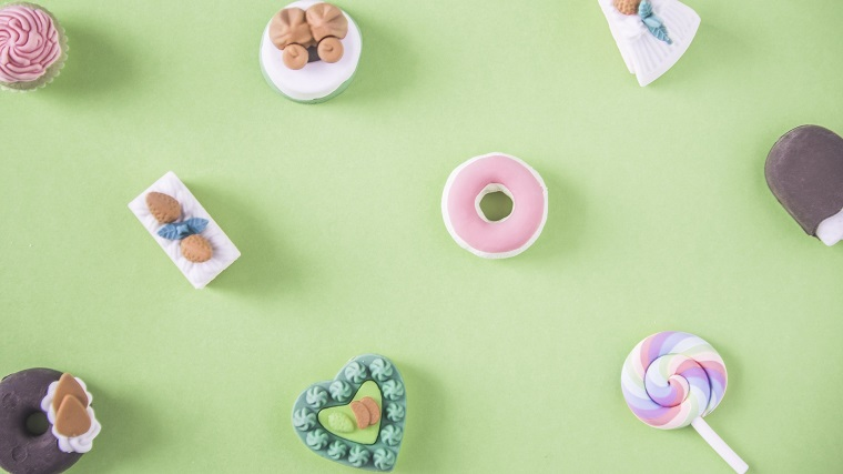 cupcakes shaped like little delicious treats