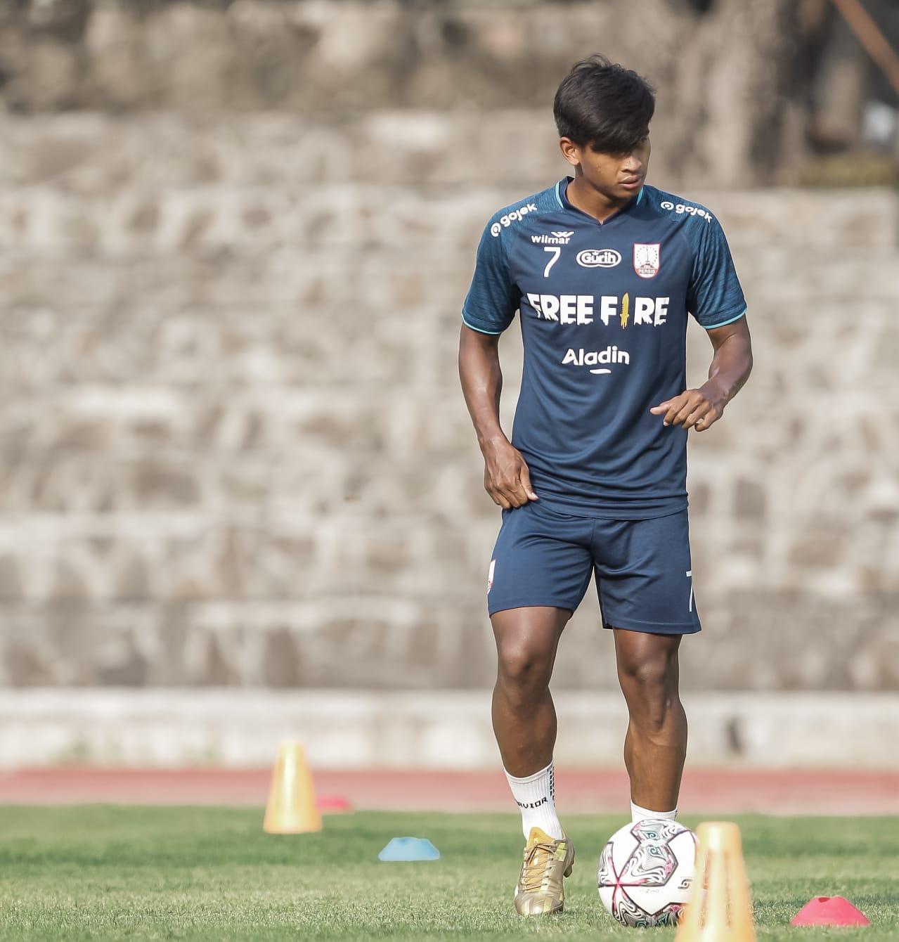 Irfan Jauhari saat sesi latihan tim. (Dokumentasi : Tim Media PERSIS)
