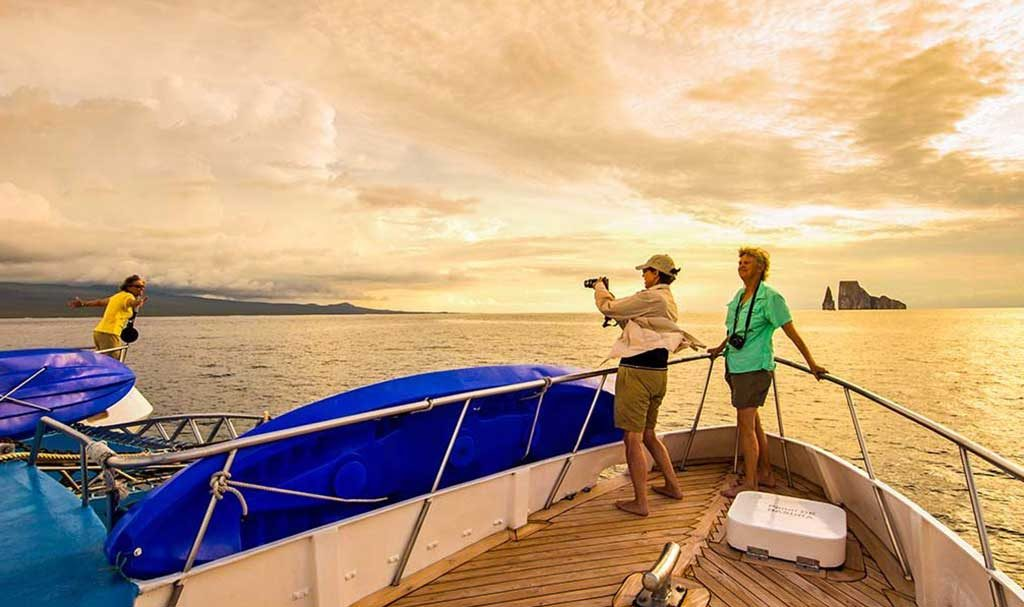 Galapagos luxury cruises