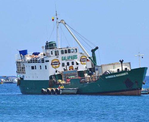 Galapagos ships of cargo